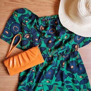 NWT Boohoo off the shoulder dress green & navy, M